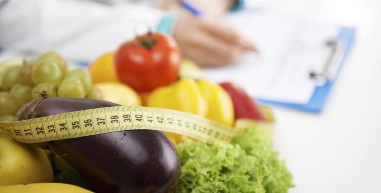 diferença entre técnico em nutrição e nutrólogo